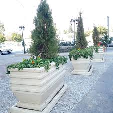"""سندرومی به نام """"تصاحب معابر"""" در پایتخت/ ممنوعیت قراردادن گلدان سیمانی مقابل منازل و ادارات"""