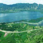 دریاچه افسانهای زریبار؛ شهری در دل آب