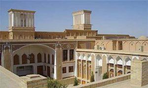 از خشت اول بافت تاریخی و معماری کج این روزهای یزد/راه بازگشت به بافت تاریخی تنها سنگ فرش کردن کوچه ها نیست