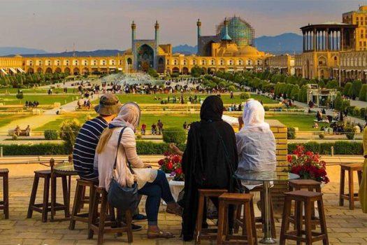 گردشگران ایرانی چه مقدار برای خدمات گردشگری هزینه میکنند؟